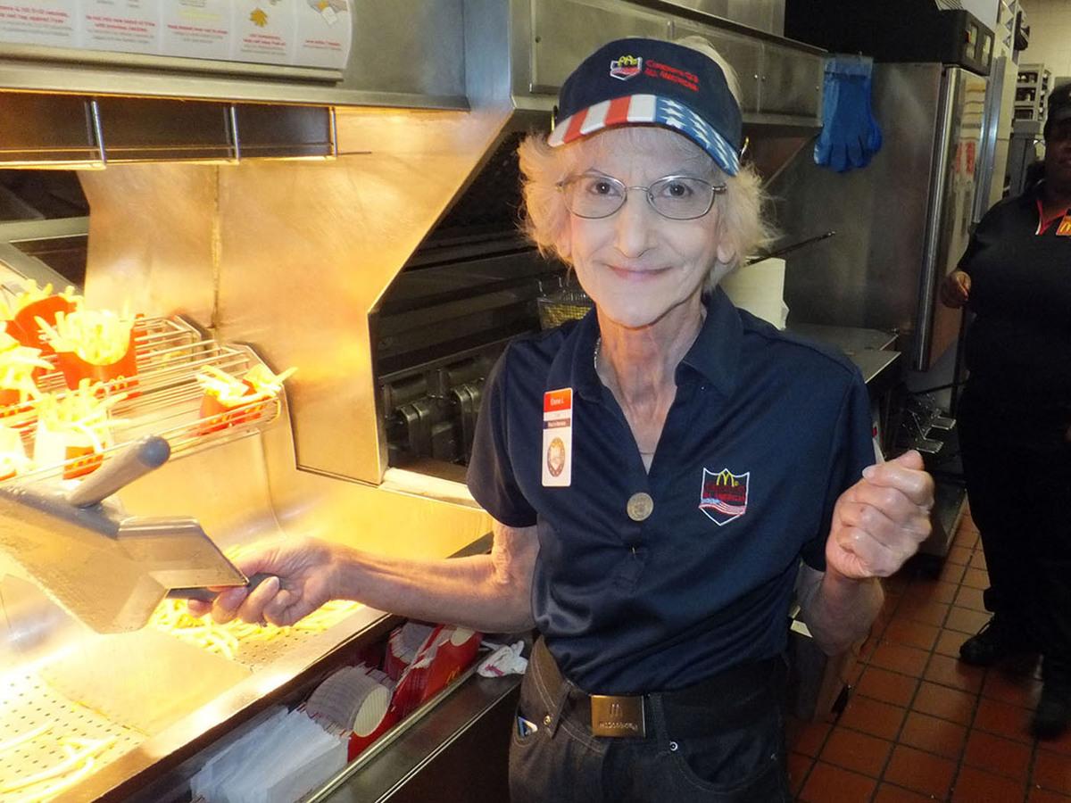 Elaine lanzi fries 569 %282%29