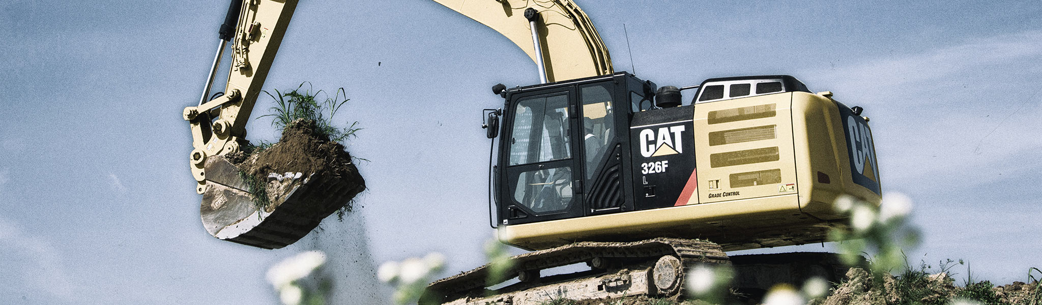 Plus, the 326F can be equipped with multiple Cat work tools to take on a variety of tasks.