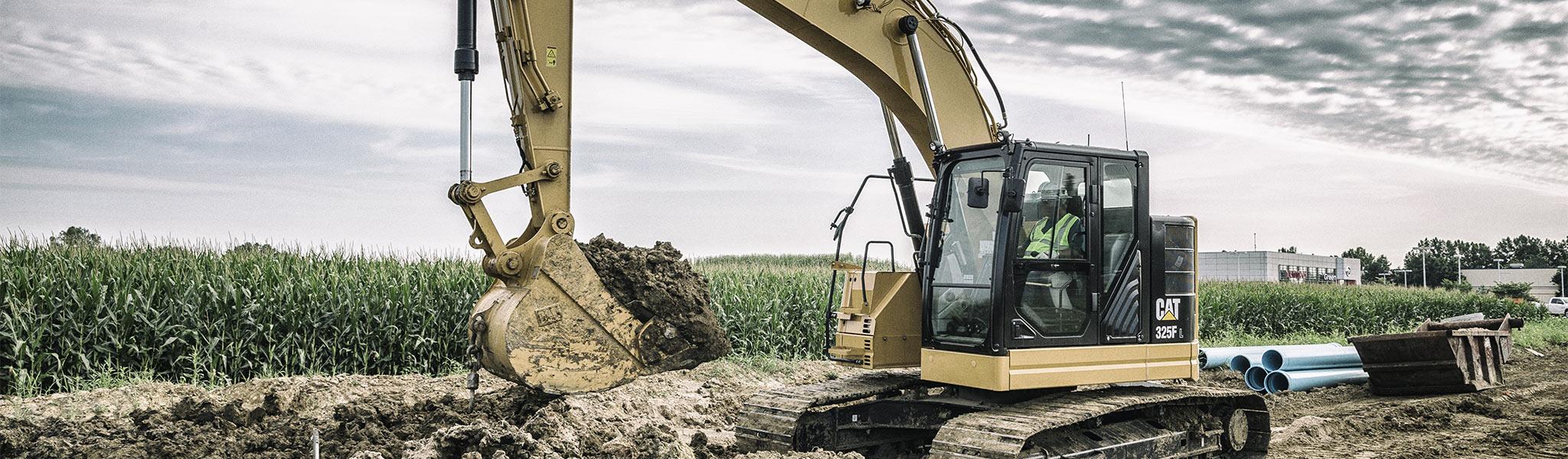 Cat® 325F L compact radius excavator.