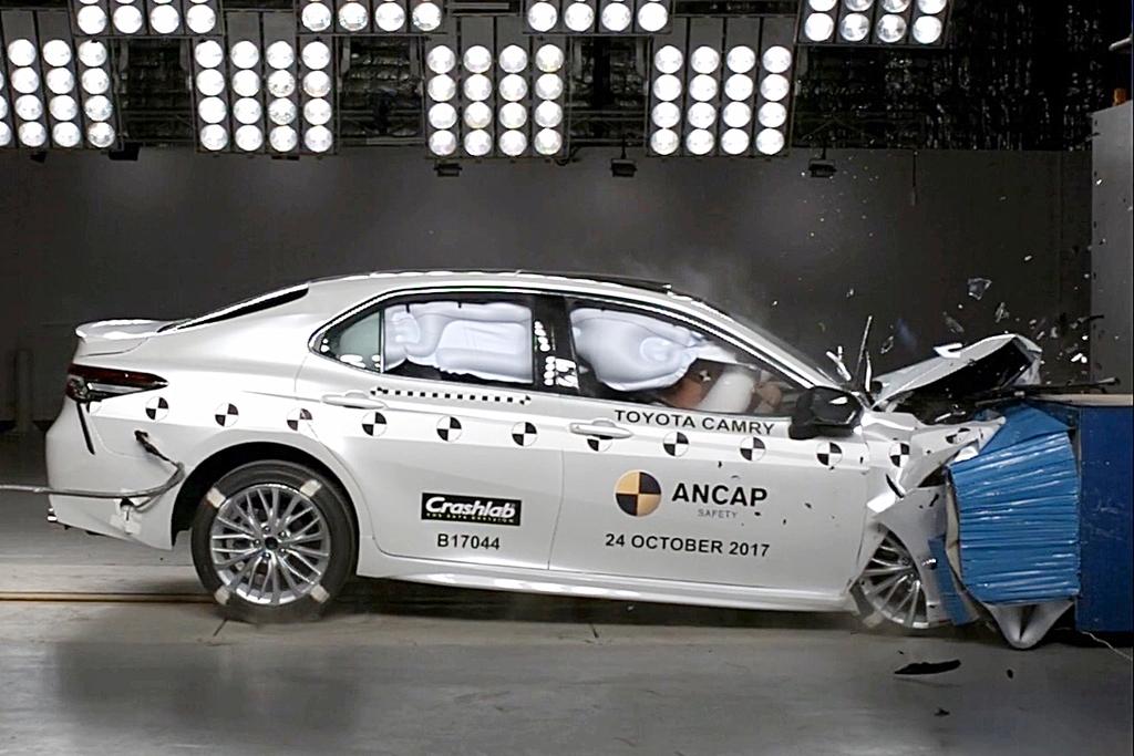New Toyota Camry scores 5 stars.