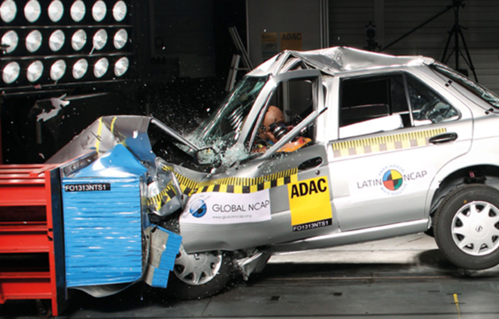 Global NCAP calls for all new cars to meet basic universal standards for crash protection and crash avoidance