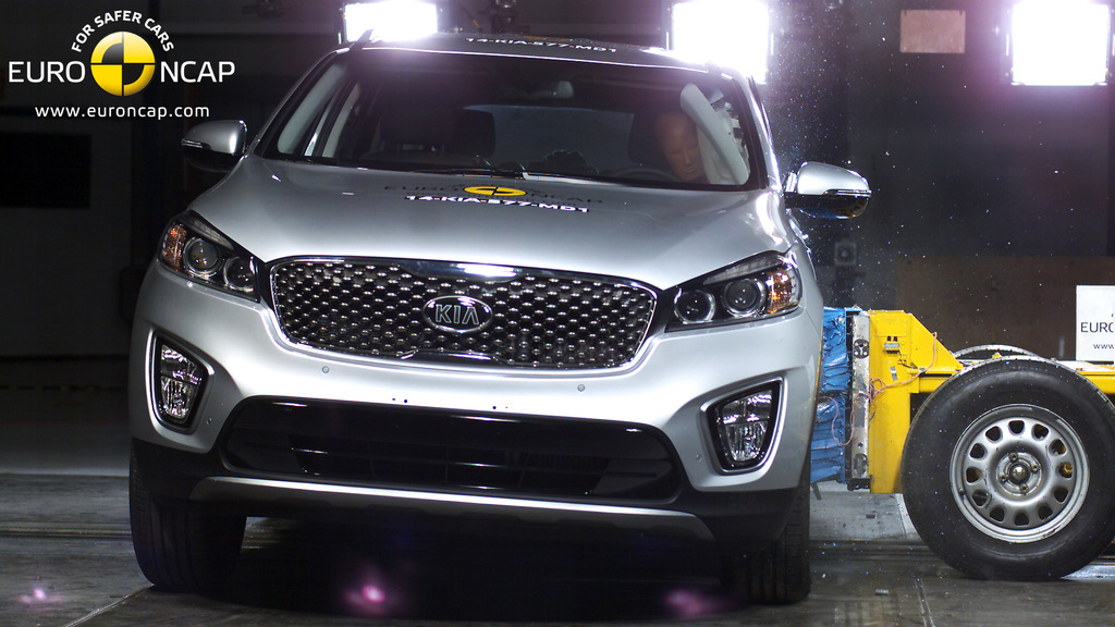 New Kia Sorento launches with 5 star safety