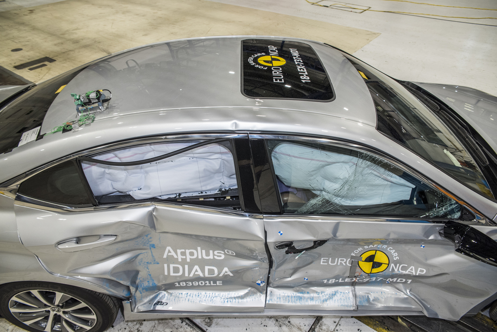 High safety scores for Mercedes A-Class, Mazda 6 and Lexus ES300h.