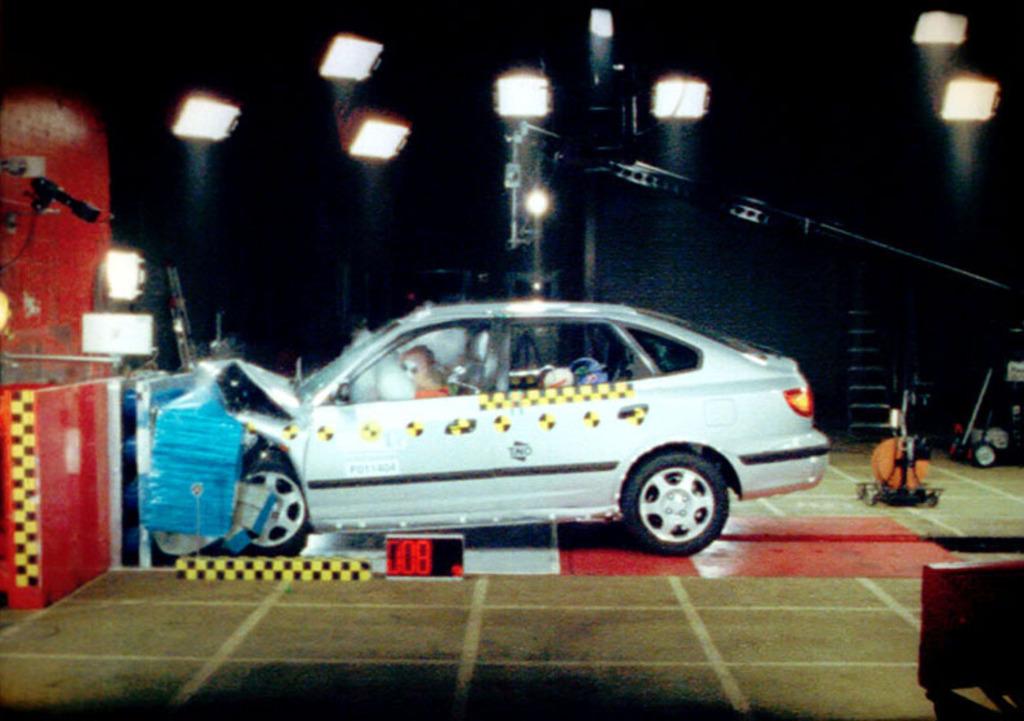 Large on 2002 Hyundai Elantra Belts