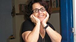 Stella Maris Rezende é mineira de Dores do Indaiá. Mest...