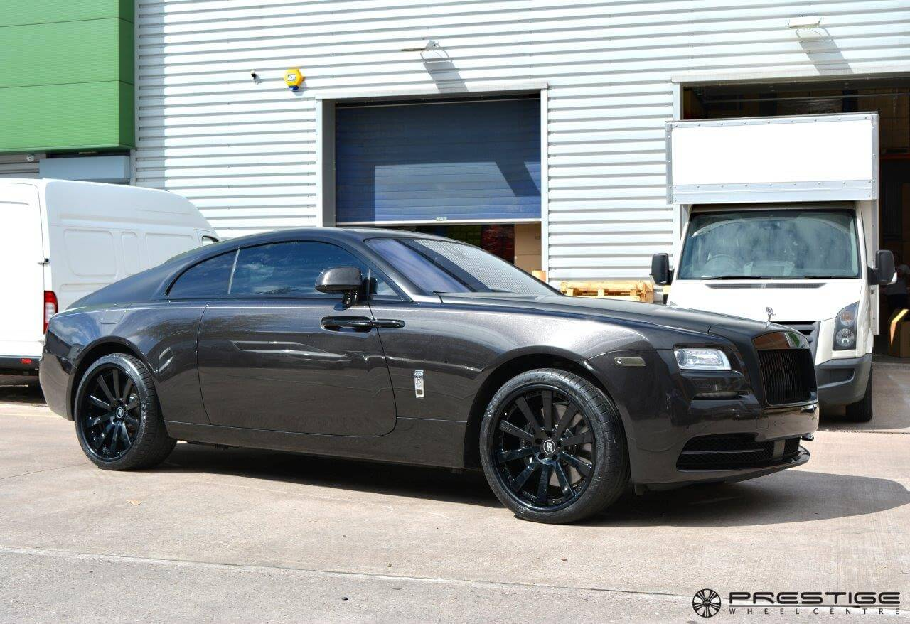 rolls royce wraith white and black. rollsroyce wraith with hre 943rl in gloss black performance wheels rolls royce white and
