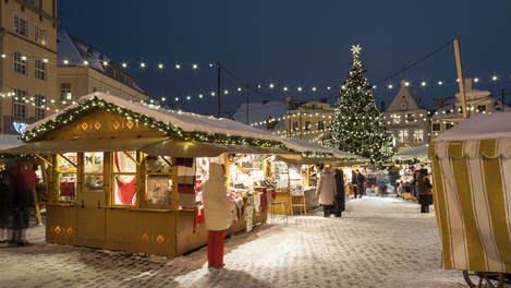 Mercado de Natal em Tallinn, Estônia