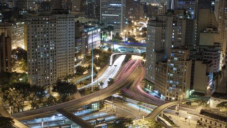 São Paulo à noite: agito 24/7