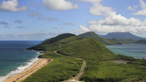 São Cristóvão, vista para o Nevis