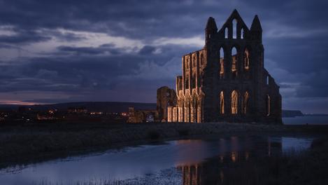 Abadia de Whitby - dá pra ver de onde veio a inspiração!