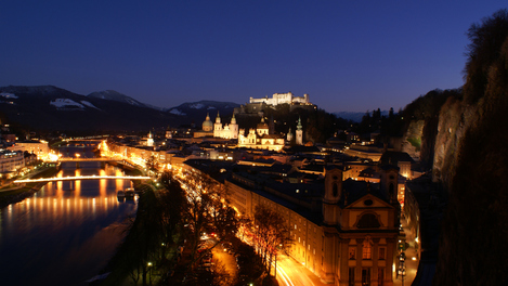 Salzburgo à noite