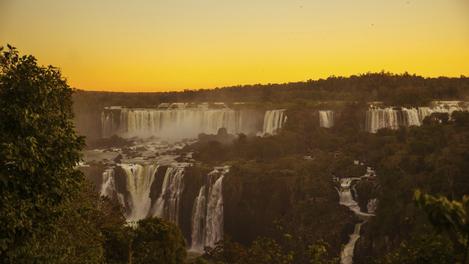 Pôr do sol no Parque Nacional do Iguaçu