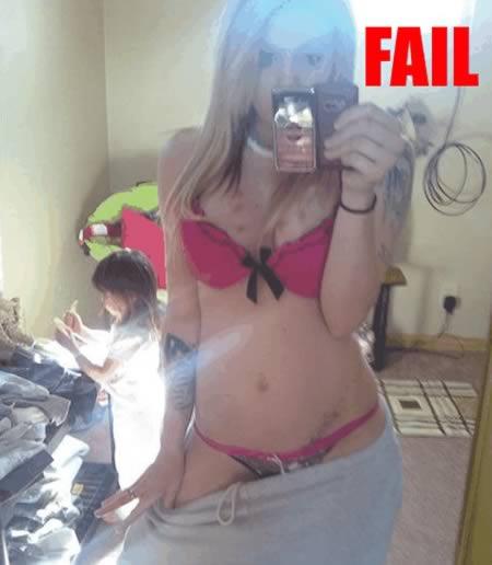 http://www.blippitt.com/parenting-fail-23-role-model-fail/