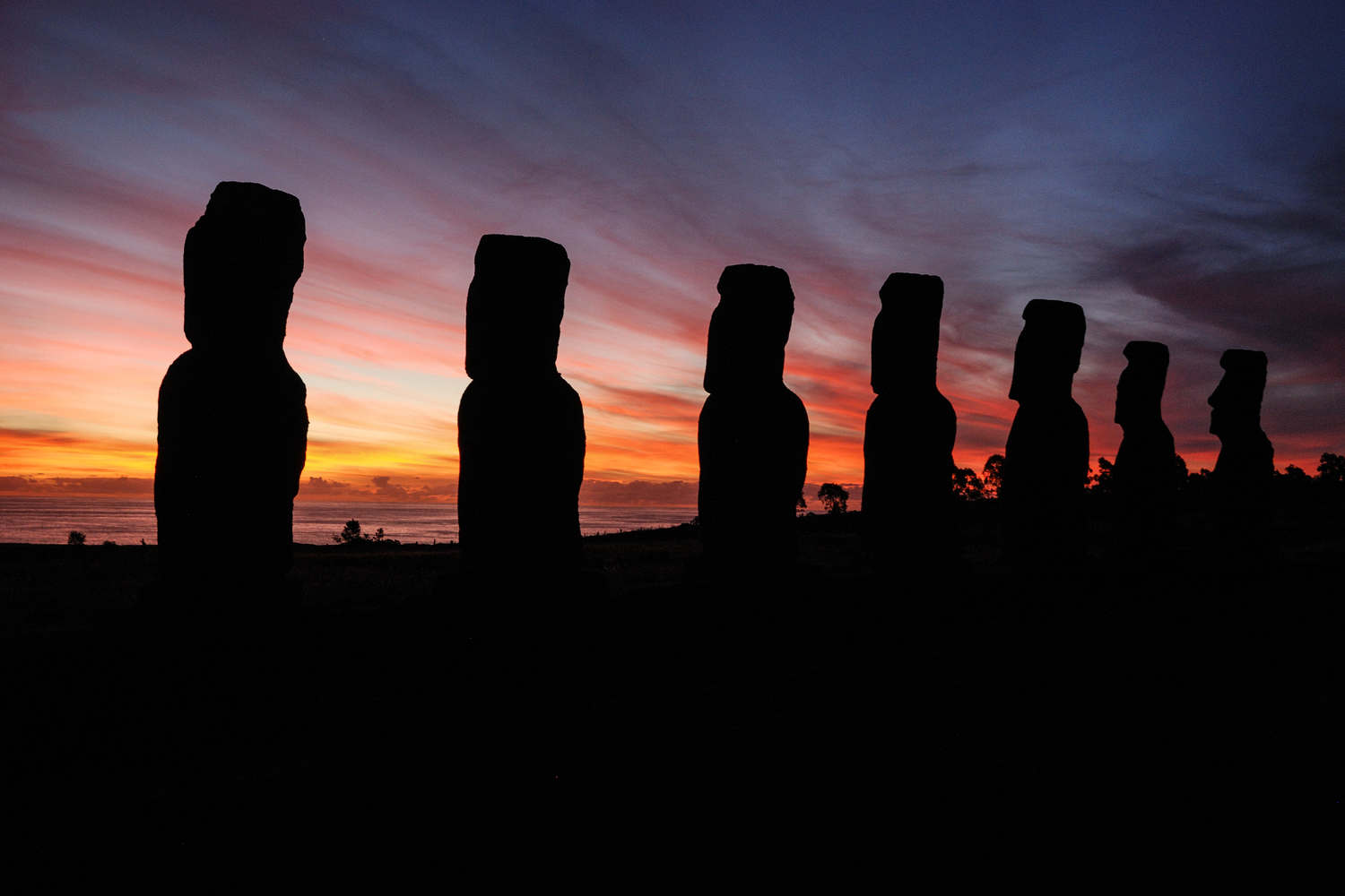 chile-easter-island-moia-statues-at-sunset