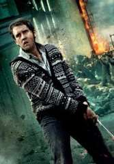 The epic moment when Neville cuts Nagini's head off like a BOSS