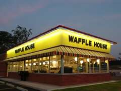 Drunk Dude Makes Own Food at Waffle House