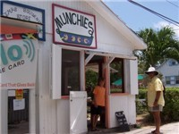 Munchies Restaurant - Restaurant in Hope Town