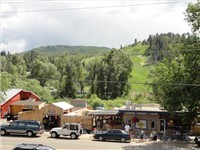 Sweat Pea Market and all the dining and shopping in downtown Steamboat are a stones throw away