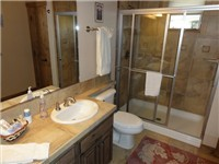 2nd bathroom Next to 2 bedrooms with Queen beds