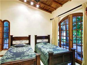 Second bedroom in guest house has twin beds!