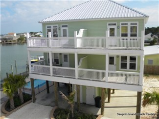 New 3 bedroom Townhouse with Pool and Boat Slip