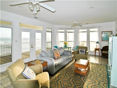 Open Living Room with great Gulf views