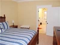 2 Master suites, each w/ King bed and private bath