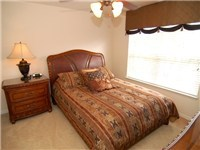 This Queen size bedroom complements the other rooms perfectly...