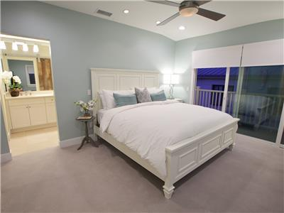 3rd level - Master suite with King bed, walk-in cl