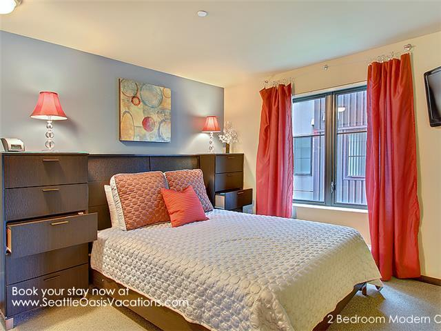Master Bedroom with Queen bed.