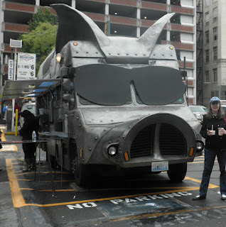 Maximus Minimus and Seattle Vacation Rentals