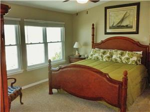 BEAUTIFULLY FURNISHED MASTER BEDROOM