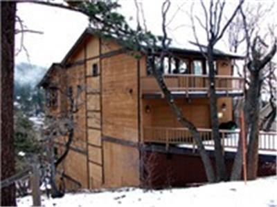<p>NEW LOWERED RATES!  Plus President's Day Special! 10% off 2 nights! or 15% off 3 nights. Take advantage of this luxury log style cabin with all the amentities, including a Hot Tub on the deck with a view of Bear Mountain Ski Resort Mountains.  Offer valid on bookings made for February 11, 2016 to February 16, 2016.</p> - 15003