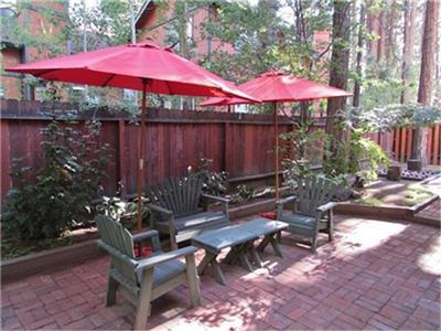 <p>Take 10% off 2 nights or stay 3 nights and receive one night free!  Special valid August 28, 2015 to Novemeber 23, 2015.  </p><p>Great Cabin! Great Location! Upscale Neigborhood!  Bring the family or enjoy a couples retreat.  You will love the charm and location of this cabin along with the beautiful fully fenced backyard, which includes a natural gas BBQ, patio furniture for seating outside and amazing landscaping.  This charming cabin is walking distance to Snow Summit, and during Fall you can take the sky chair to the top of the mountain and go hiking, mountain biking or enjoy the restaurant.  Only minutes away from the Village, Lake and local restaurants.  </p> - 11396