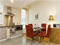Bishopsgate Apartments - Kitchen & Dining Area