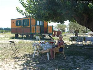 Caravan in Mazan