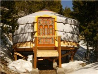 Cabins | Yurts in Philipsburg