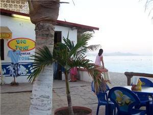 Zippers Bar and Grill - Restaurant in San José del Cabo