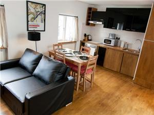 Thayer Street Apartments Serviced Apartments  