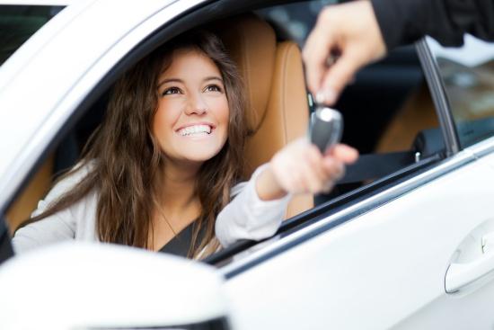 dicas-pra-comprar-um-carro-novo-ceabs