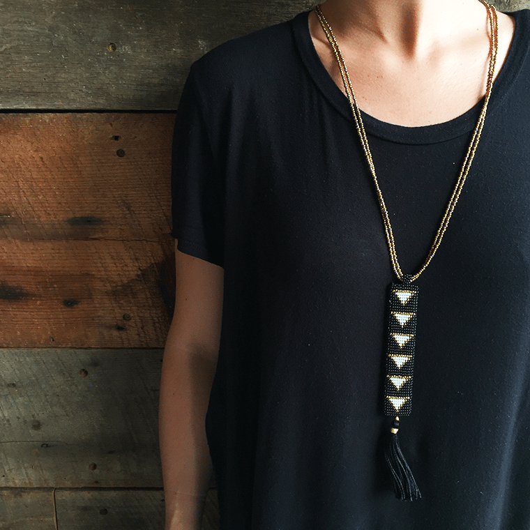 black-necklace-with-tassle-shopceladon