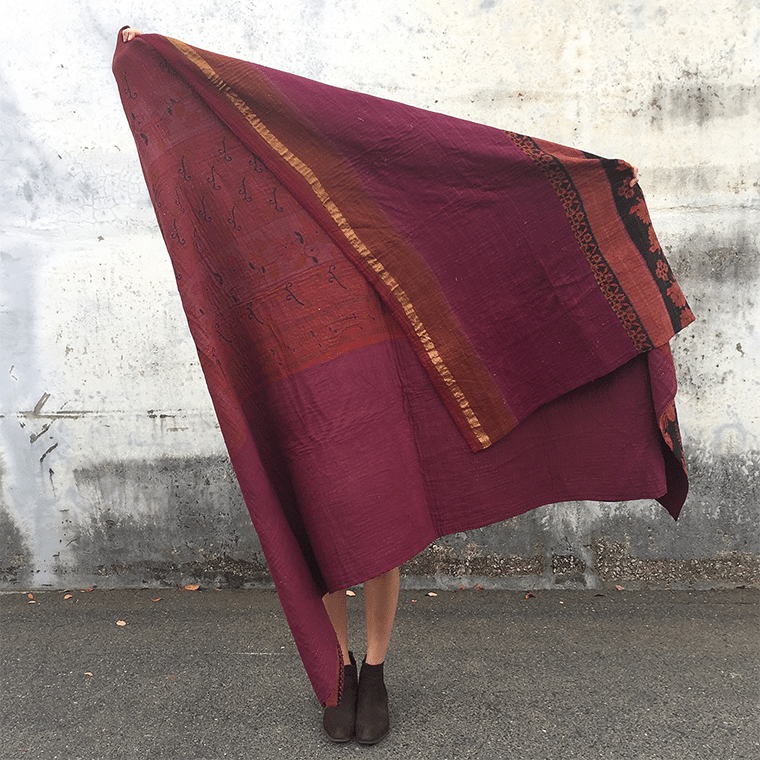 maroon-and-gold-kantha-shopceladon