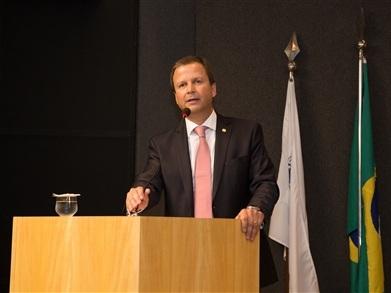 OAB pede afastamento de Eduardo Cunha