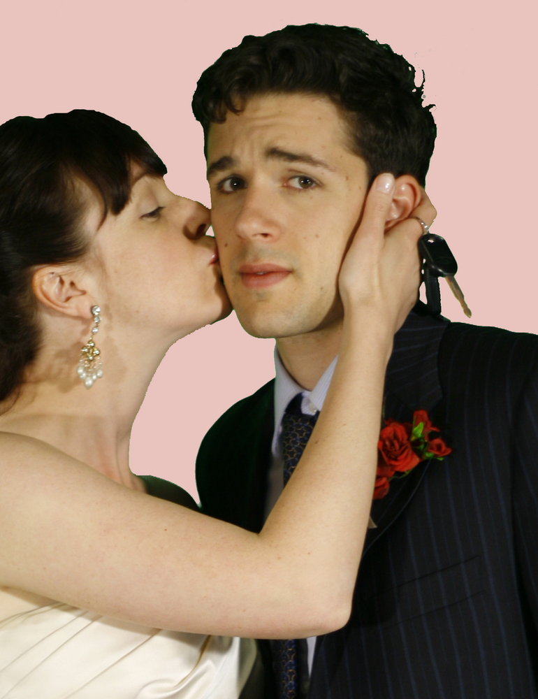 Manvminivan kissing still