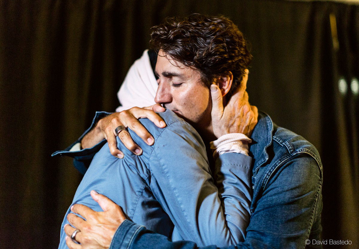 Gord Downie and Justin Trudeau hugging (Photo credit: David Bastedo)
