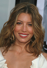 Jessica Biel Bio Photo