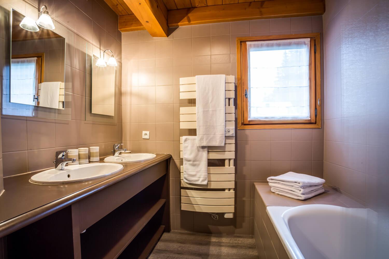 Ha1 panda bathroom 1