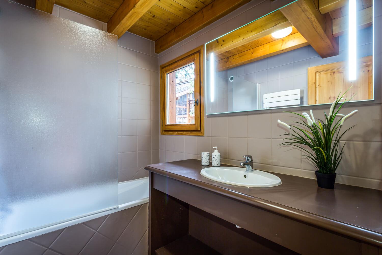 Ha1 panda masterbedroom bath 1