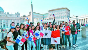 Young Panamanians involved in Youth Day planning