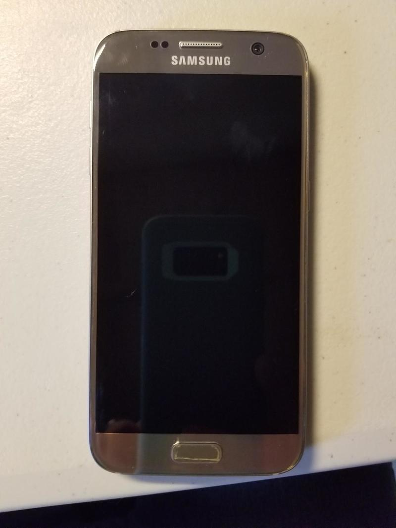 Samsung Galaxy S7_Gold #1.jpg